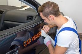 Mit Autowerbung Geld verdienen